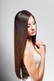 Rapariga bonita com cabelo longo Imagem de Stock