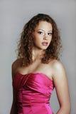 Rapariga bonita no vestido do baile de finalistas Imagem de Stock