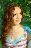Rapariga com cabelo curly Fotos de Stock