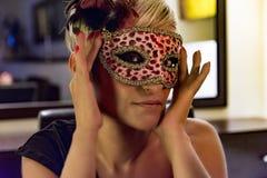 Rapariga com máscara fotos de stock royalty free