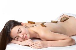 Rapariga da beleza que começ uma massagem fotos de stock