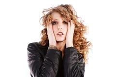 Rapariga de fascínio bonita no revestimento preto Foto de Stock