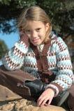 Rapariga feliz ao ar livre fotos de stock