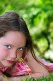 Rapariga fora no verão imagem de stock