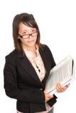 Rapariga que estuda seu livro da ciência Imagem de Stock