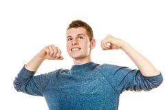 Rapaz bem sucedido do homem feliz com braços acima fotos de stock