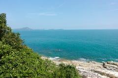 Rapaz Koh Viewpoint Olhe para fora o lado do oceano Koh Samui fotos de stock royalty free
