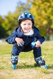 Rapaz pequeno alegre fotografia de stock