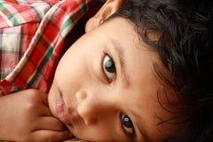 Rapaz pequeno bonito Fotos de Stock Royalty Free