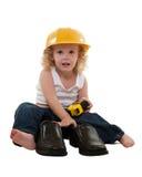 Rapaz pequeno com as sapatas acima crescidas do homem Fotos de Stock