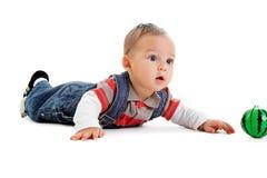 Rapaz pequeno com bola Fotos de Stock Royalty Free