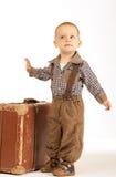 Rapaz pequeno com mala de viagem Fotos de Stock