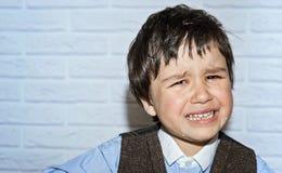 Rapaz pequeno de grito Imagem de Stock