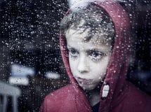 Rapaz pequeno deprimido imagem de stock royalty free