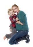 Rapaz pequeno e mãe Fotografia de Stock