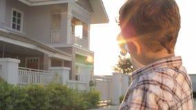 Rapaz pequeno feliz do retrato filme