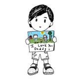 Rapaz pequeno que guarda uma nota para o dia de Father's Fotos de Stock Royalty Free