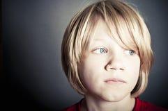 Rapaz pequeno virado foto de stock royalty free