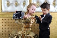 Rapazes pequenos que olham a câmera Fotos de Stock Royalty Free
