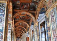 Raphael Loggias i det statliga eremitboningmuseet royaltyfria bilder