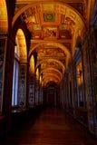 Raphael Loggias inre av den statliga eremitboningvinterslotten royaltyfria bilder