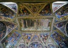 Raphael Rooms - Corridoio di Costantina immagini stock