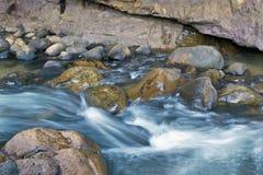 Rapids dans le fleuve en montagnes de Cederberg Image libre de droits