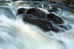 Rapids de fleuve image libre de droits