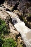 Rapids de fleuve de montagne Photographie stock