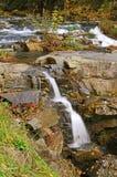 Rapids et cascade à écriture ligne par ligne Photo libre de droits