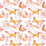 Raposas vermelhas alaranjadas bonitos no teste padrão sem emenda da aquarela cor-de-rosa da floresta no fundo branco Jogo simples ilustração royalty free