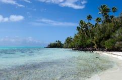 Rapota海岛风景在Aitutaki盐水湖库克群岛 免版税库存照片