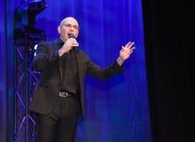 Rappare Pitbull som talar på etapp Fotografering för Bildbyråer