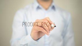 Rappel de produits, écriture d'homme sur l'écran transparent Image stock