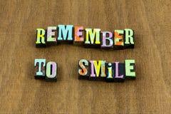 Rappelez-vous l'expression aimable honnête de sourire d'amusement heureux de sourire image stock
