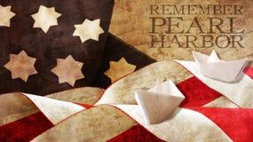 Rappelez-vous Pearl Harbor Le drapeau ondule sur le bois et le bateau Images stock