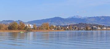 Rapperswil, vue sur le lac Obersee Photo libre de droits