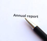 Rapport annuel avec le stylo photos stock