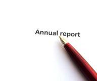 Rapport annuel avec le stylo images stock