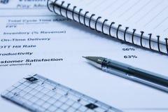 Rapport des revenus de résultats de statistiques Images stock