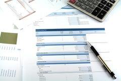 Rapport för affärsdiagram Arkivfoton