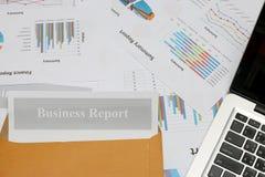 Rapport, graphiques et diagrammes de gestion colorés Photo libre de droits