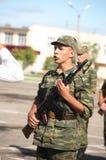 rapportera soldaten Royaltyfri Foto