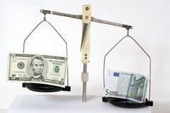Rapporto dei soldi differenti. Fotografia Stock