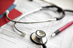Rapports médicaux et stéthoscope