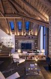 rappresentazione 3D del salone di sera del chalet Fotografia Stock Libera da Diritti