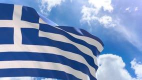 rappresentazione 3D della bandiera della Grecia che ondeggia sul fondo del cielo blu con l'alfa canale video d archivio
