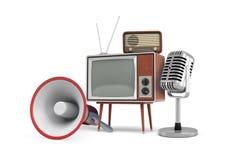 rappresentazione 3d di parecchi pezzi isolati di attrezzatura d'annata: un megafono, un set televisivo, una radio e un microfono illustrazione di stock