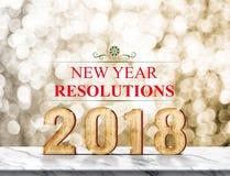 Rappresentazione 3d di risoluzione 2018 del nuovo anno sulla tavola di marmo ad oro Fotografia Stock Libera da Diritti