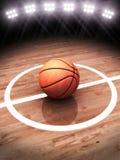 rappresentazione 3d di una pallacanestro su una corte con illuminazione dello stadio fotografia stock